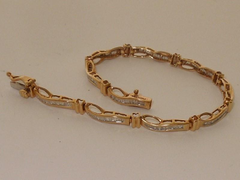 Gold-Diamond Bracelet 150 Diamonds 3.00 Carat T.W. 10K Yellow Gold 7.6g