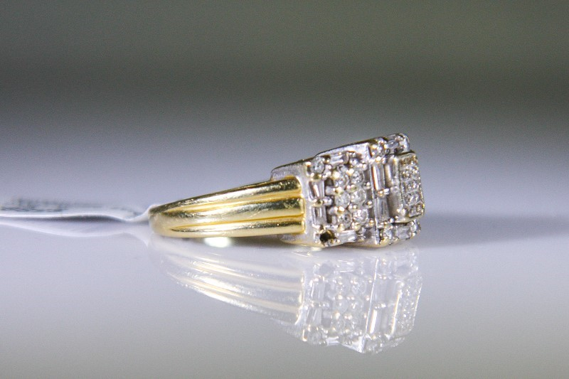 Lady's Diamond Fashion Ring 45 Diamonds .95 Carat T.W. 14K Yellow Gold 7.1g