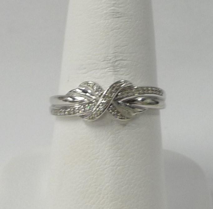 Lady's Gold Ring 10K White Gold 1.09dwt
