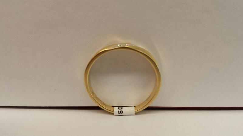 10k Yellow Gold Ring with 3 Diamonds