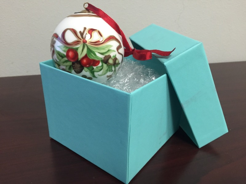 TIFFANY & CO Collectible Plate/Figurine HOLIDAY ORIMENTS