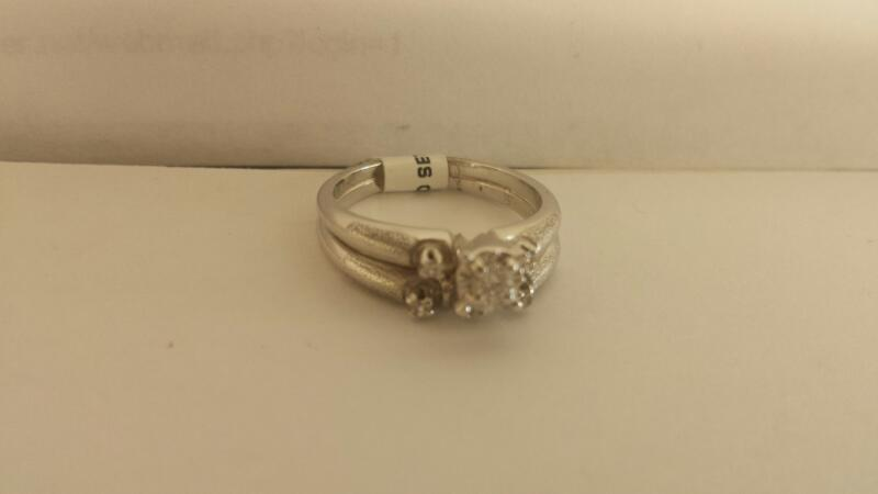14k White Gold Ring with 7 Diamonds