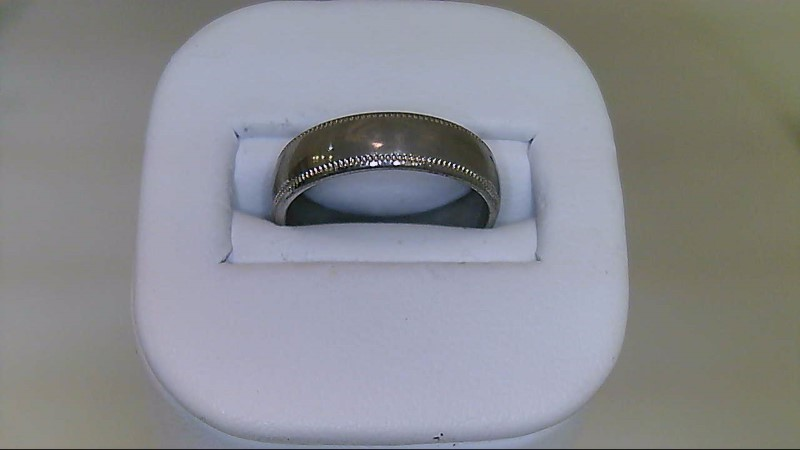 lady's 18k white gold sz 5 wed band 2.25g