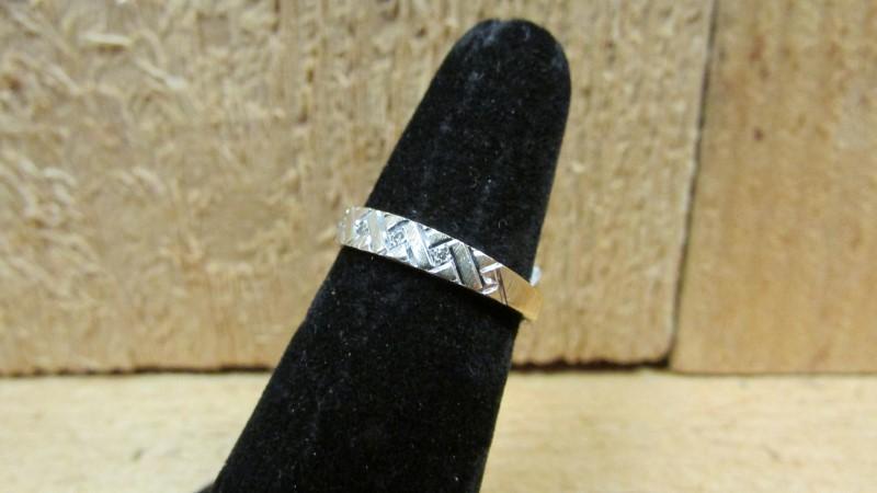 Lady's Diamond Fashion Ring 5 Diamonds 0.05 Carat T.W. 14K 2 Tone Gold 1.8g Size