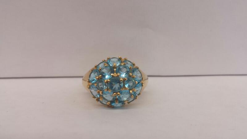 14k Yellow Gold Ring with 17 Aquamarine Stones