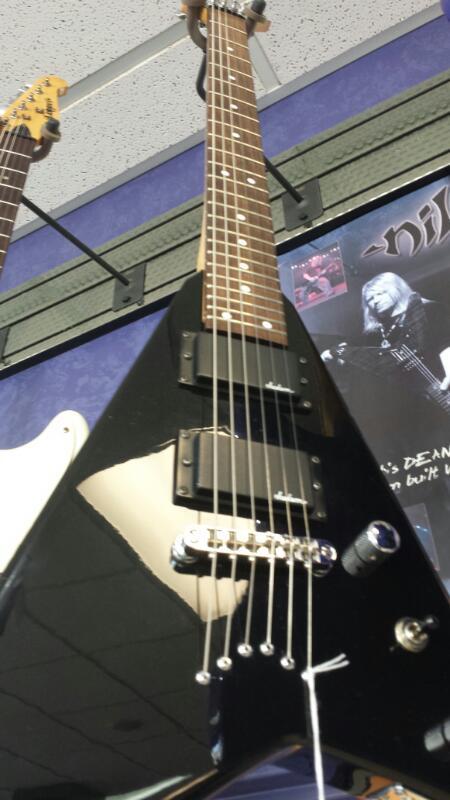 Jackson JS32T Rhoads V Electric Guitar 6 String