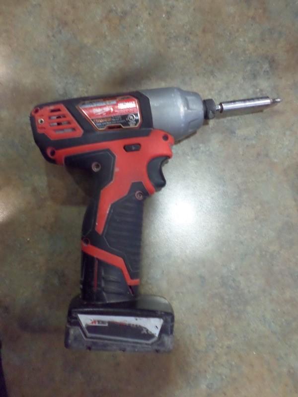 MILWAUKEE Cordless Drill 2462-20