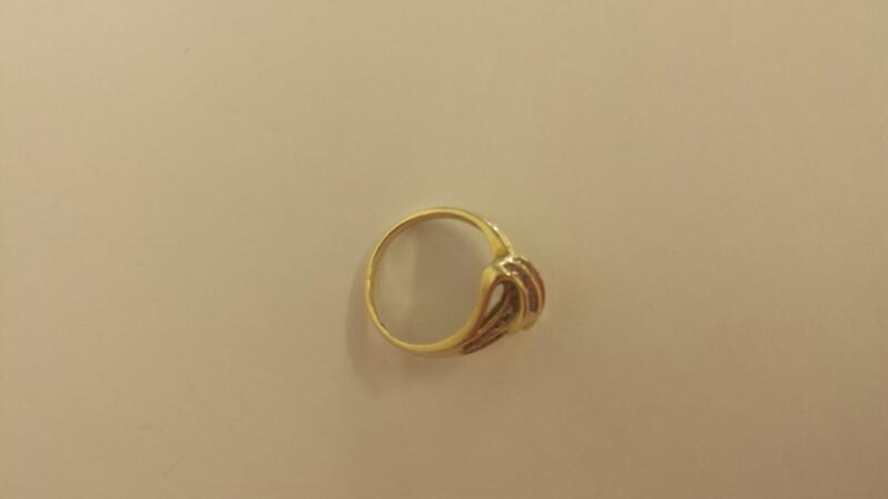 LDS 10KT Lady's Diamond Fashion Ring 22 DIA. CHIPS 22 Diamonds .22 Carat T.W.