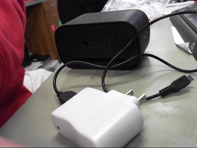 LOGITECH Car Speakers/Speaker System UE MINI BOOM S-00136