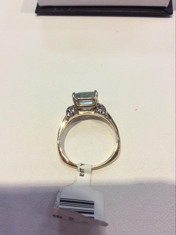 Synthetic Aquamarine Lady's Stone & Diamond Ring 6 Diamonds .12 Carat T.W.