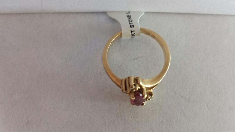 14k Yellow Gold Ring with Pink Stone and 4 Diamond Chips