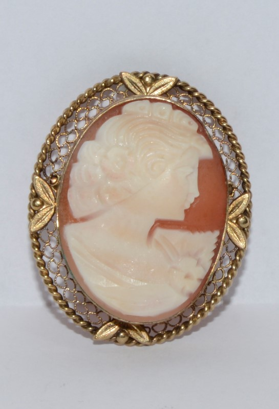 Gold Brooch Yellow Gold Filled 7.05g