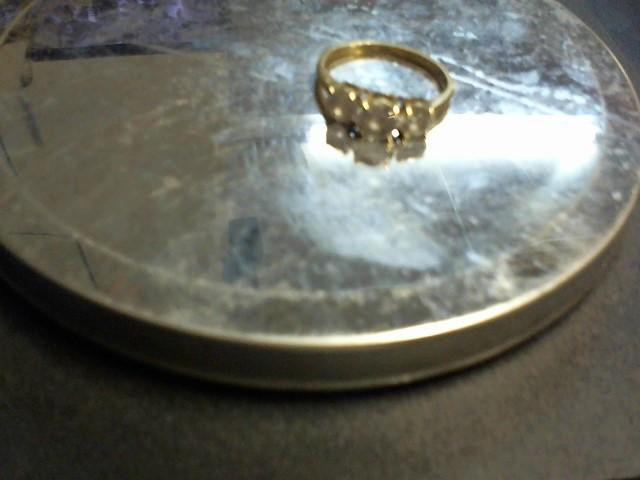 White Stone Lady's Stone Ring 10K Yellow Gold 2.25g