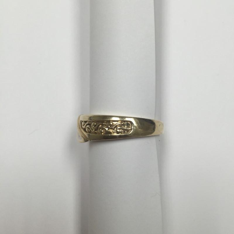 Gent's Diamond Fashion Ring 5 Diamonds .05 Carat T.W. 10K Yellow Gold 4.6dwt