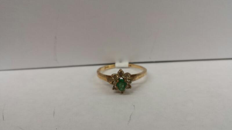 10k Yellow Gold Ring with 1 Green Stone and 8 Diamond Chips