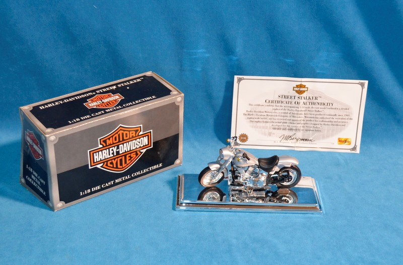 HARLEY DAVIDSON Toy Vehicle FIGURINE