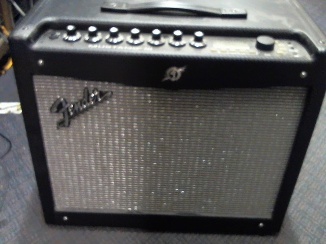 FENDER Electric Guitar Amp MUSTANG III