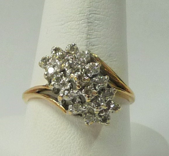 Lady's Diamond Cluster Ring 19 Diamonds .95 Carat T.W. 14K Yellow Gold 2.39dwt