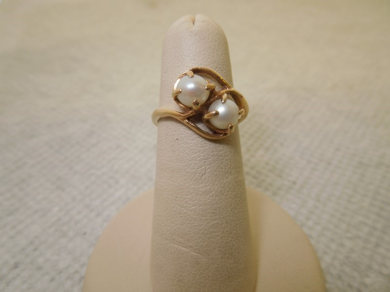 Synthetic Pearl Lady's Stone Ring 14K Yellow Gold 3.2g Size:7