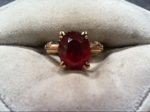 Red Stone Lady's Stone Ring 10K Yellow Gold 2.7g