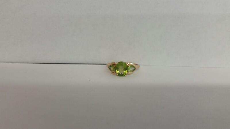 Green Stone Lady's Stone Ring 14K Yellow Gold 1.9dwt Size:8.5
