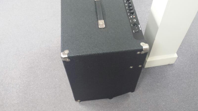 AMPEG BA115 Bass Amp