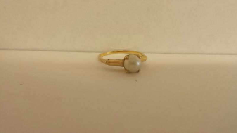 Synthetic Pearl Lady's Stone Ring 14K Yellow Gold 1.6dwt