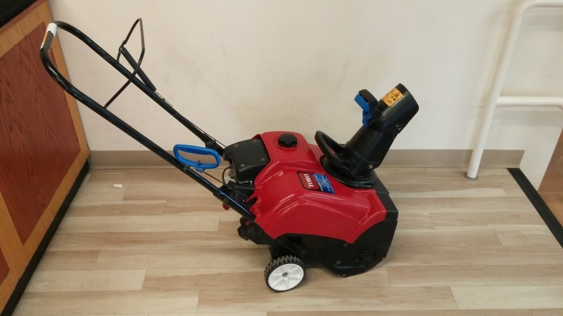 TORO Snow Blower POWER CLEAR 418 ZE