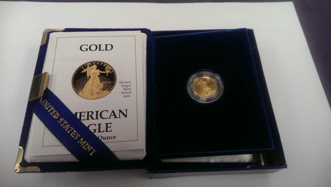 1989 1/10 Oz Gold American Eagle $5 Proof Coin w/ Book