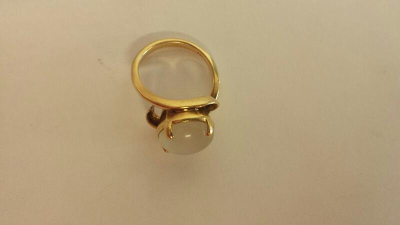 White Stone Lady's Stone Ring 10K Yellow Gold 3.5dwt Size:5