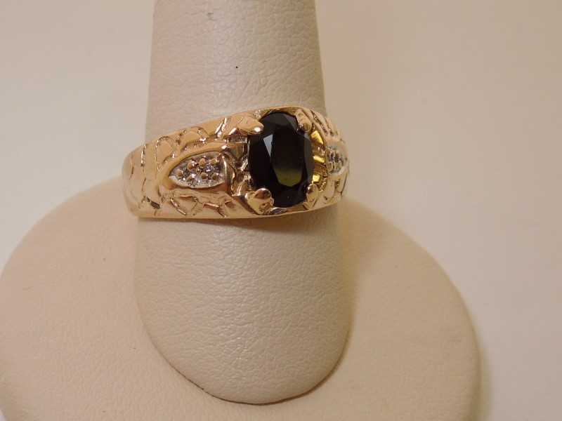 Black Stone Lady's Stone Ring 14K Yellow Gold 6.2g