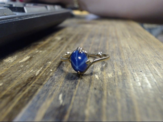 Blue Stone Lady's Stone Ring 10K Yellow Gold 2g Size:8