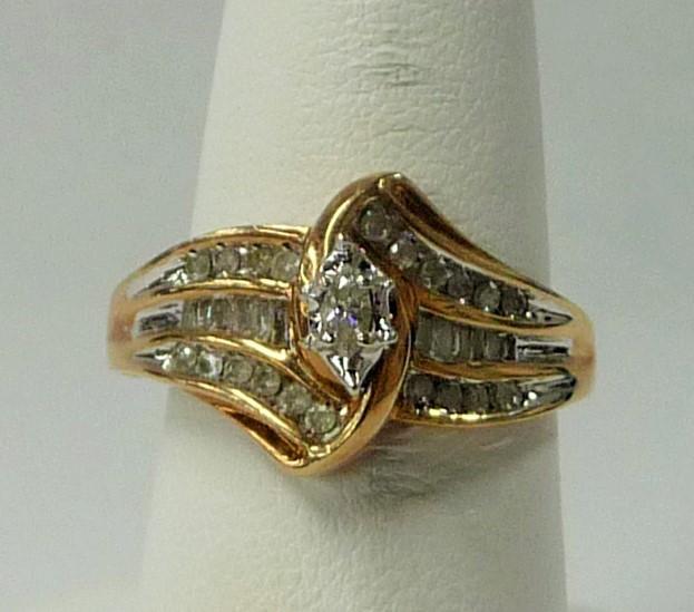 Lady's Diamond Fashion Ring 33 Diamonds 1.16 Carat T.W. 10K Yellow Gold 3.27dwt