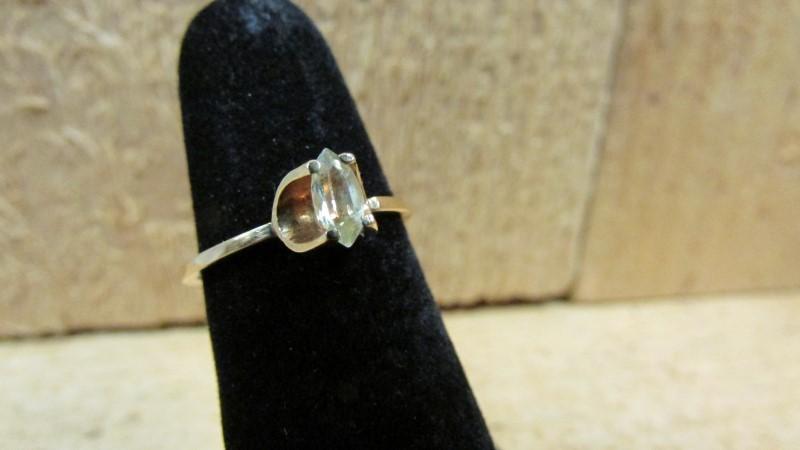 Yellow Stone Lady's Stone Ring 10K Yellow Gold 1.4g Size:6