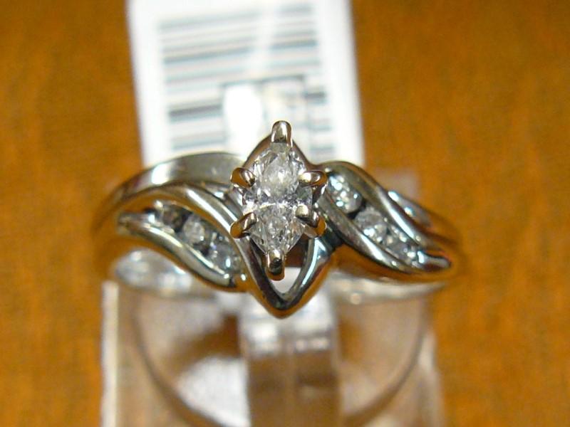 Lady's Diamond Wedding Set 7 Diamonds .26 Carat T.W. 14K White Gold 2.96dwt