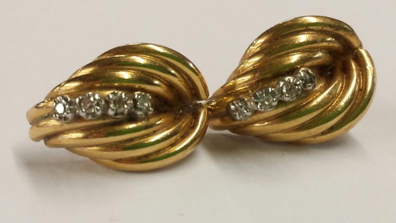 Vintage Deco Style 14K  Earrings 8 Diamonds 14K Yellow Gold 1.24dwt