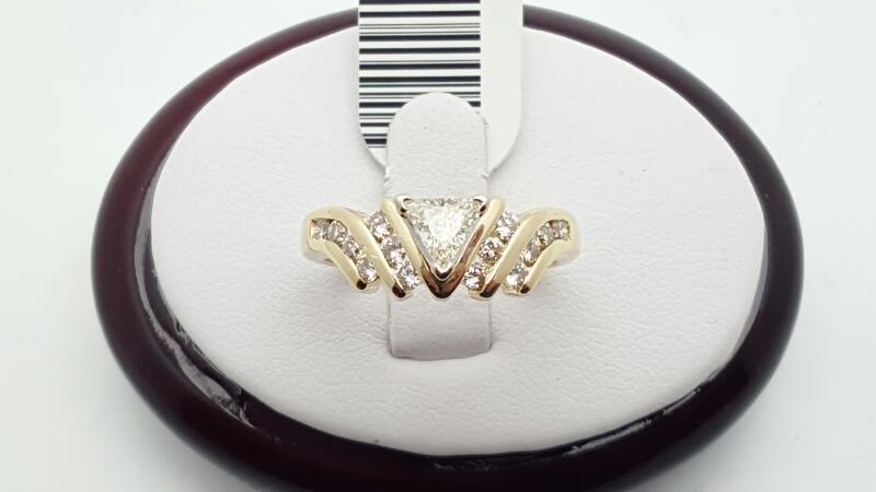 Lady's Diamond Engagement Ring 15 Diamonds .85 Carat T.W. 14K Yellow Gold 5.4g