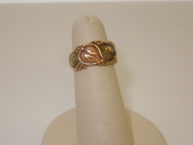 Lady's Gold Ring 10K Tri-color Gold 4.7g Size:6