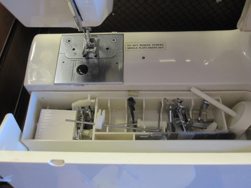 KENMORE Sewing Machine 158.1792183