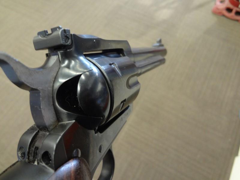 RUGER REVOLVER BLACKHAWK NEW MODEL .357 MAG