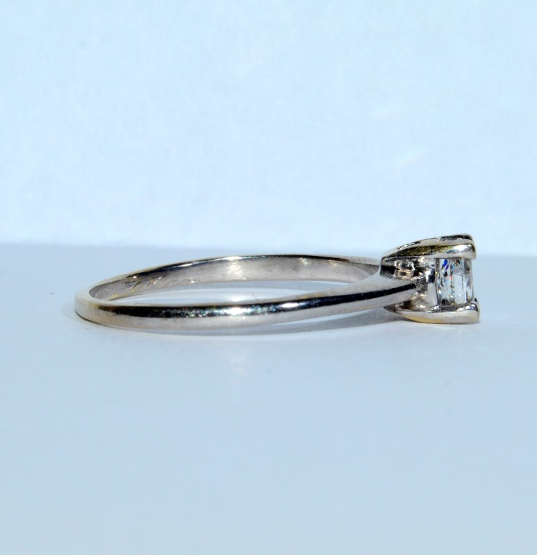 14K White Gold Cathedral Set Oval Diamond Solitaire Engagement Ring Size: 8