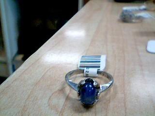 Lady's Gold Ring 10K White Gold 2.6g