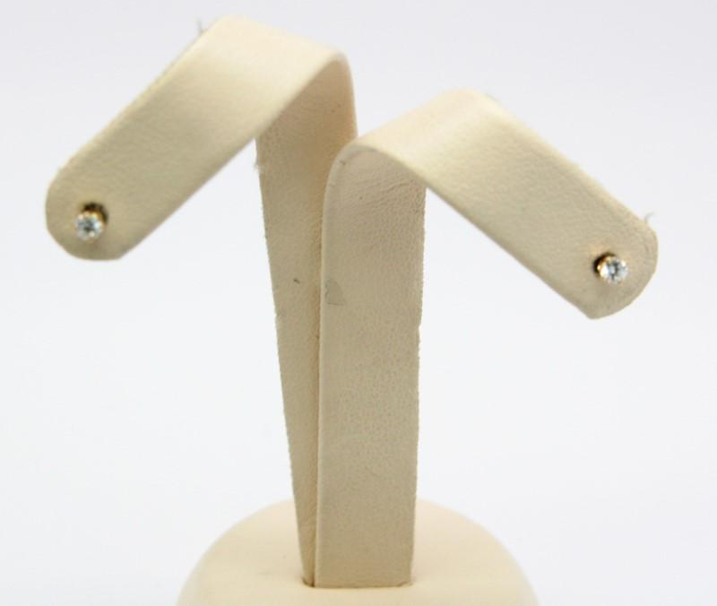 Gold-Diamond Earrings 2 Diamonds .10 Carat T.W. 14K Yellow Gold 0.3g