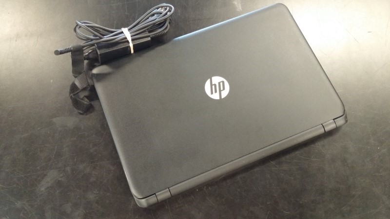 HEWLETT PACKARD Laptop/Netbook 15-I033WM