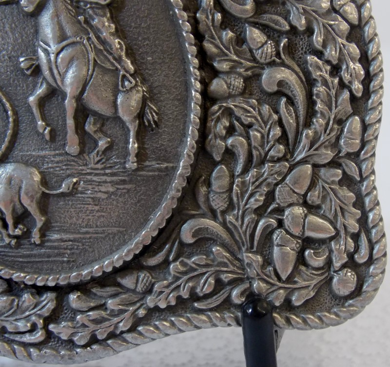 LTC WESTERN PEWTER BUCKLE WITH COWBOY ROPING CALF - ACORN AND OAK BORDER