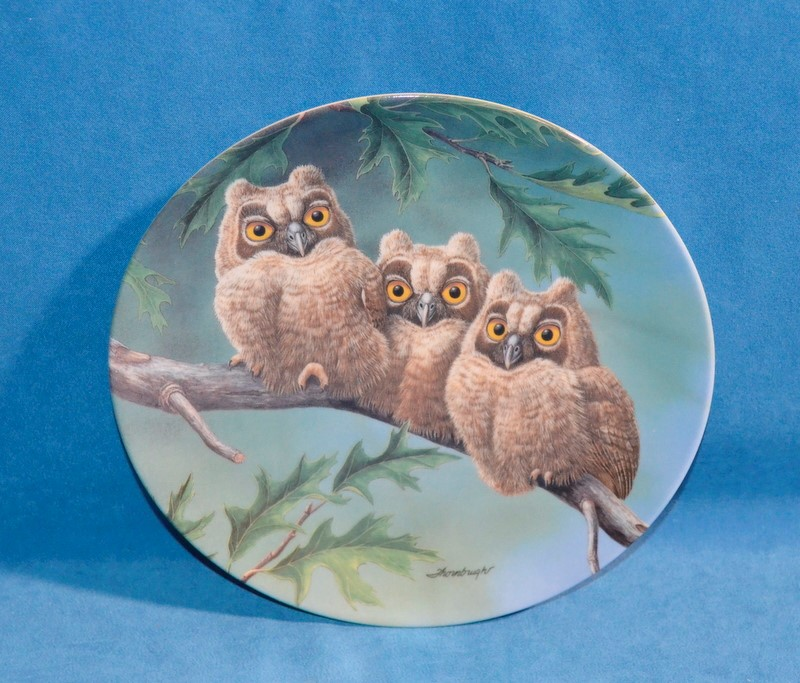 KNOWLES Collectible Plate/Figurine THREE'S COMPANY: LONG EARED OWLS