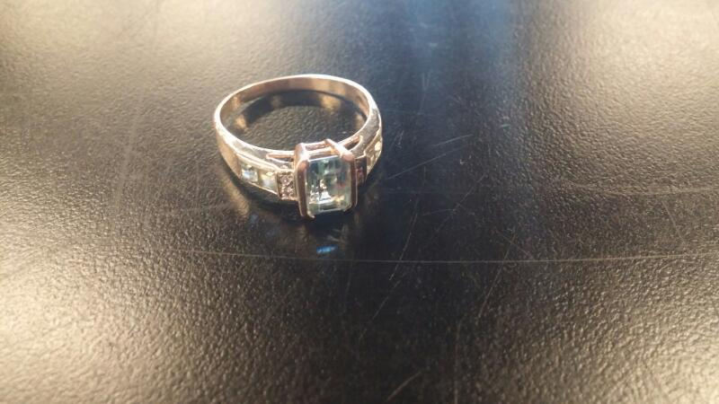 Lady's Gold Ring 10K Yellow Gold 2.8dwt Size:11.5
