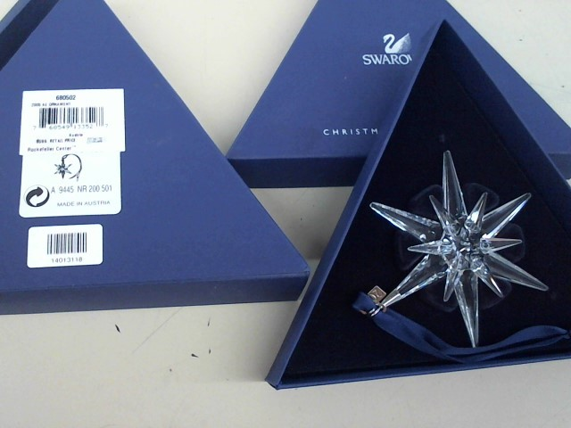 SWAROVSKI 2005 CHRISTMAS ORNAMENT