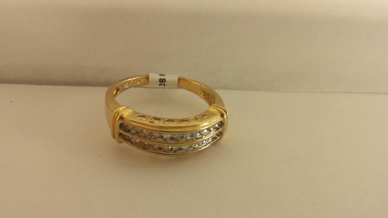 10k Yellow Gold Ring with 22 Diamond Chips