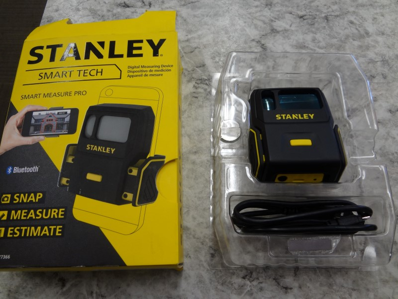 STANLEY SMART MEASURE PRO DIGITAL MEASURING DEVICE WITH CORD AND ORIGINAL BOX